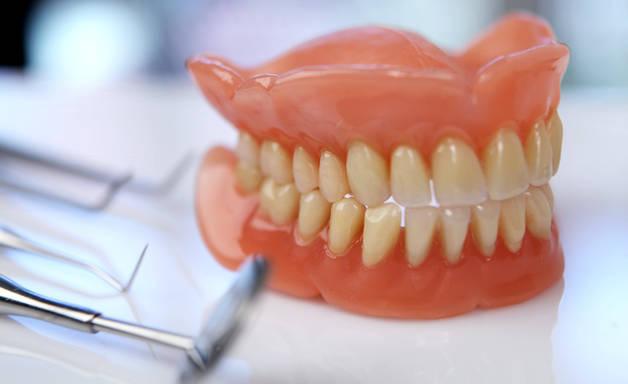 Современные съемные зубные протезы